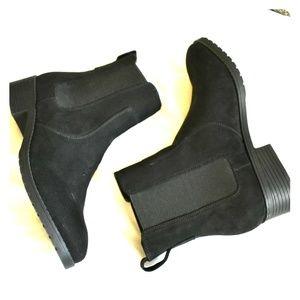 H&M Black Chelsea Boots